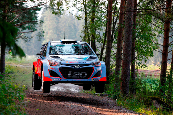 AN ALL-EXPENSE-PAID TRIP TO THE WRC IN SPAIN FOR LUCKY HYUNDAI CUSTOMERS