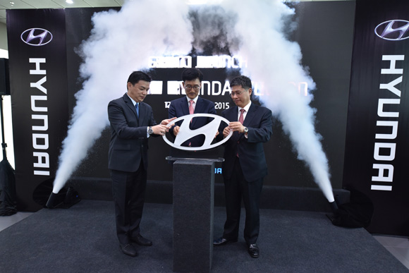 Officiating the Launch of the All-New Hyundai Tucson are L to R - Mr Lau Yit Mun, Mr Park Sang-Min and Mr Dennis Ho